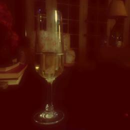 vday champagne